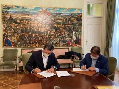Firma de convenio de colaboración entre la Federación y la Asociación Nacional de Empresas de Turismo Activo (ANETA)