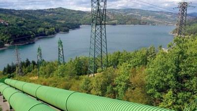 Hidrocaleras proyecta una central hidroeléctrica reversible en Mioño