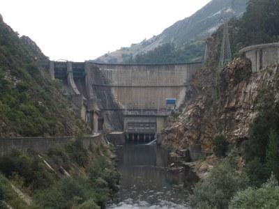 Una central hidráulica de bombeo, entre las inversiones que estudia Naturgy para Tineo